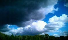 Wolken: hell und dunkel