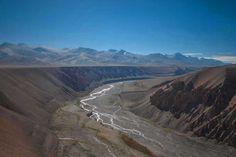Barren river valley through Ladakh Trek, Westerns, The Incredibles, Tours, River, Mountains, Nature, Naturaleza, Bergen