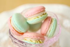 Cherry Vanilla Macarons Tutorial {in Japanese} #pastel #macarons #food #cookies #frenchmacarons #asian