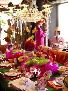 http://funkidspartyideas.hubpages.com/hub/My-Favorite-Photos-of-Alice-in-Wonderland-Party-Decorations