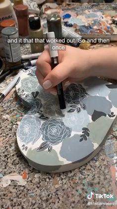 Acrylic Art, Acrylic Painting Canvas, Do It Yourself Bilder, Diy Canvas Art, Art Tutorials, Diy Art, Art Lessons, Flower Art, Amazing Art