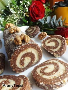 AranyTepsi: Diós keksztekercs Croatian Recipes, Hungarian Recipes, Dinner Sandwiches, Healthy Packed Lunches, Italian Desserts, Something Sweet, Winter Food, No Bake Cake, Sweet Recipes