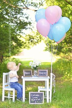 Unique pregnancy announcements are a great way to share your pregnancy news with the world. How about a special pregnancy announcement photoshoot? Be sure to check my blog for more ideas on how to announce your pregnancy!