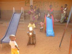 Miles de niños ya disfrutan de nuestra 1ª ludoteca en #BurkinaFaso