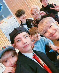 Eu vendo as fotos dos integrantes do BTS , , , , , , , , , , , , , , , , , , , , , ,