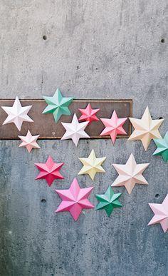 DIY: 3D paper stars http://www.kidsdinge.com https://www.facebook.com/pages/kidsdingecom-Origineel-speelgoed-hebbedingen-voor-hippe-kids/160122710686387?sk=wall http://instagram.com/kidsdinge