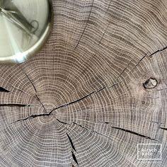 #kirschholz #tischler #tischlermeister #altbauliebe #eiche #nachttisch #hocker #interiordesign #schlafzimmer #nachttischlampe #nature #massivholzmöbel #bett #nachttischlampe #eichenklotz #baum #holz #geölt #tagdeswaldes #linz #aschbachmarkt Interiordesign, Projects, Bedside Lamp, Linz, Stool, Oak Tree, Tree Structure, Bedroom, Log Projects