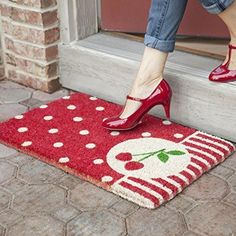 This is the perfect door mat for my back door!!