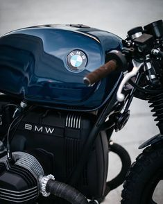 The best of vintage motorcycles Bmw Cafe Racer, Moto Cafe, Cafe Bike, Cafe Racer Build, Cafe Racer Motorcycle, Blue Motorcycle, Bmw R100 Scrambler, Motos Bmw, Bmw Motorbikes