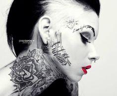seitdatferskate:  Lady Tattoo Cat
