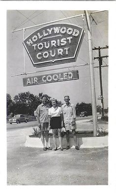 Hollywood Tourist Court 1940s by Vintage Roadside, via Flickr