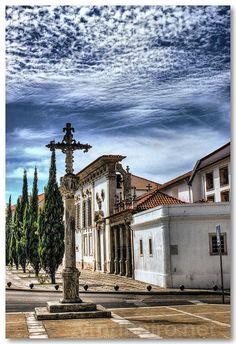Museu de Aveiro (Santa Joana Princesa). O Mosteiro de Jesus localiza-se na freguesia da Glória, concelho de Aveiro, distrito de Aveiro, em Portugal.