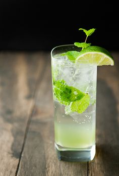 Recipe: Drinks Recipe / How to Cucumber spritzer - tableFEAST Cocktails, Cocktail Drinks, Cocktail Recipes, Alcoholic Drinks, Beverages, Fancy Drinks, Summer Drinks, Tasty, Yummy Food
