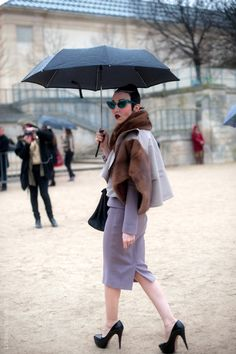 Paris – Rain Vamping. Photo © Wayne Tippetts