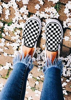 Black and white checkered vans/ shoe trend/ back to school looks Sock Shoes, Vans Shoes, Cute Shoes, Me Too Shoes, Shoe Boots, Shoes Sneakers, Tenis Vans, Style Grunge, Trendy Shoes