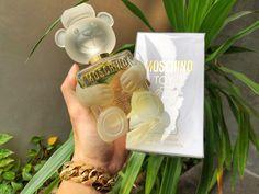 Avon Perfume, Perfume Scents, Perfume Bottles, Parfum Chic, Tony Moly, Glamour Decor, Perfume Display, Best Fragrances, Perfume Collection