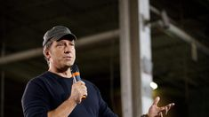 Woman bashes Mike Rowe's 'work ethic scholarship.' Rowe's response couldn't be more perfect.