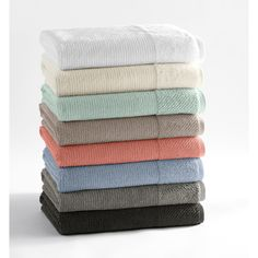 This beautiful set of towels offers two towels, two hand towels and two washcloths in a variety of earthy colors. They are constructed from 100 percent organic Turkish cotton for added absorbency. These two ply towels are great for any time of year.