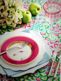Beautiful colors and the Hummingbird plate with Pink and Gold is so divine.