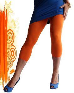 Opvallend gekleurde leggings zijn dé fashiontrend van dit jaar en door de prachtige Oranje kleur en het heerlijke draagcomfort heb je nog een paar extra goede redenen om deze vrolijke caprilegging van Marianne vaak te dragen. De Queenie is een 40 denier dikke en ondoorzichtige caprilegging, gemaakt van een zachte pantystof met fijne stretch, die dankzij de stof en de brede tailleband de hele dag perfect blijft zitten!