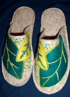 Beautifully embellished Joe's Toes slippers made by artist Sue from Maine, USA - Sue made up a Joe's Toes kit and added applique, embroidery and beads