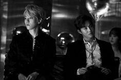Baekhyun and Suho Exo Awards, Exo Couple, Weak In The Knees, Baekhyun Chanyeol, Kim Junmyeon, Chinese Boy, Chanbaek, Gossip Girl, Music Awards