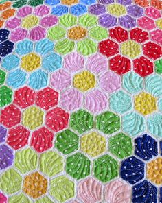 Hexagon flower quilt- Colorful raw edge applique quilt /Geta's Quilting Studio