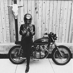 ❤️ Women Riding Motorcycles ❤️ Girls on Bikes ❤️ Biker Babes ❤️ Lady Riders ❤️ Girls who ride rock ❤️TinkerTailorCo ❤️ Blitz Motorcycles, Women Riding Motorcycles, Vintage Motorcycles, Custom Motorcycles, Lady Biker, Biker Girl, Scooters, Scooter Moto, Dodge