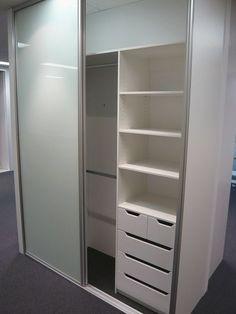 Best bedroom closet design built in wardrobe sliding doors Ideas Bedroom Closet Doors Sliding, Sliding Door Wardrobe Designs, Bedroom Closet Design, Bedroom Wardrobe, Wardrobe Closet, Closet Designs, Double Wardrobe, Bedroom Designs, Wardrobe Drawers