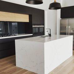 New Kitchen Renovation Australia Natural Stones Ideas Michelangelo, Best Bathroom Tiles, Kitchen Benchtops, Kitchen Cabinets, Engineered Stone, New Kitchen, Kitchen Ideas, Kitchen Redo, Kitchen Layout