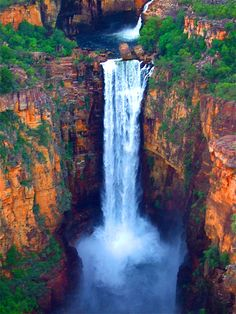 Jim Jim Falls, Kakadu National Park in the Northern Territory of Australia Outback Australia, Australia Travel, Iconic Australia, Kakadu National Park, National Parks, Wonderful Places, Beautiful Places, Grand Canyon, Road Trip
