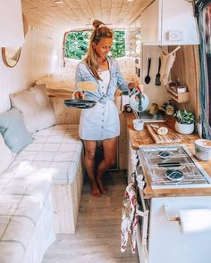 BEST MEMORIES of 2018 Van-cake life! We had so much fun living in our van for 6 weeks and can't wait to be back on the road heading to Scandinavia this summer. Camper Van Life, Bus Camper, Campers, Camping Life, Rv Life, Kombi Motorhome, Hymer, Bus House, Tiny House