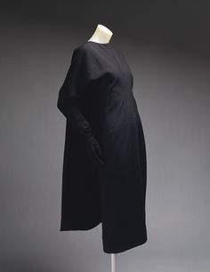 Cristobal Balenciaga: Day dress (1976.124.7a,b) | Heilbrunn Timeline of Art History | The Metropolitan Museum of Art