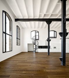 Oracle-Fox-Sunday-Sanctuary-Feature-Staircase-Interior-Tour-27.jpg 1000×1136 pikseliä