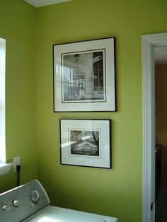 granny smith apple green paint from glidden.........kitchen