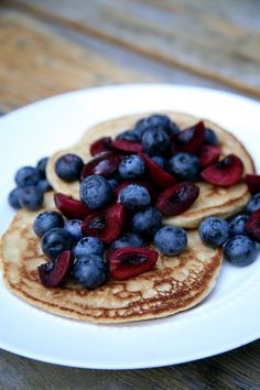 100-Calorie Fluffy and Sweet Vegan Pancakes