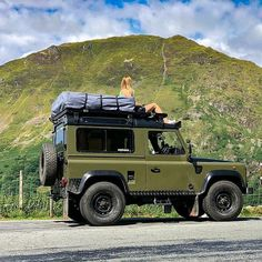 Landrover Defender, Defender 90, Offroad And Motocross, Land Rover Series 3, Road Trip Adventure, Toyota Fj Cruiser, Truck Camping, Off Road, Expedition Vehicle