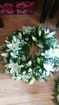 22 Ideas Flowers Wreath Funeral For 2019 Flower Wreath Funeral, Funeral Flowers, Funeral Flower Arrangements, Flower Arrangements Simple, Wreaths For Funerals, Green Funeral, Casket Flowers, Funeral Sprays, Casket Sprays
