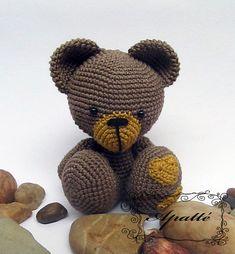 NÁVOD - Háčkovaný medvídek se srdíčky Návod na na háčkovaného medvídka. Je v češtině, opatřen fotkami a popisky. Návod zasílám elektronickou poštou v podobě PDF souboru po připsání příslušné částky na můj účet. Neplatíte tedy žádné poštovné ani jiné poplatky:)