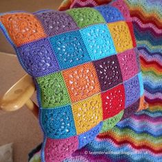 Transcendent Crochet a Solid Granny Square Ideas. Inconceivable Crochet a Solid Granny Square Ideas. Crochet Pillow Patterns Free, Crochet Square Patterns, Crochet Motifs, Crochet Squares, Knitting Patterns, Free Crochet, Granny Squares, Free Pattern, Blanket Patterns