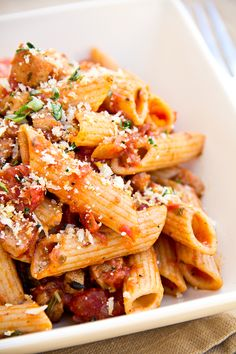 whole wheat penne pasta in roasted garlic tomato sauce