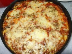 An easy, one dish meal! Dinner Recipes, Dessert Recipes, Yummy Recipes, Desserts, Chicken Parmesan Casserole, I Love Food, Lasagna, Entrees, Macaroni And Cheese