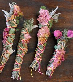 purificateur...a different way to save your dried flowers add fresh rosemary etc