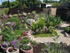steingarten anlegen aus schmalen steinplatten, moos und, Gartenarbeit ideen