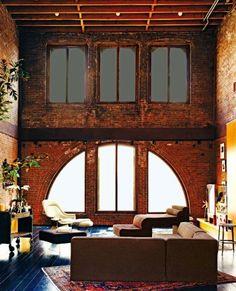 exposed brick, bakstenen, hoog plafond,