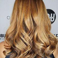 🍁 Sweet fall Caramel Color by @hairbyjazzmynngrace using @olaplex @magiclightener @redken5thave ✨ 📞 Call to book a free consultation. 813.801.9700  #olaplex #balayage #modernsalon #bestoftheday #blondegirl #beautylaunchpad #btcpics  #hairdye #hair #hairfeed #hairgasm #haircolor #hairoftheday #hairsalon #hairofinstagram #igivegoodhair #haircare#pinteresthair #hairpainting#ombré #ontrend #hairgoals #polishgirl #americansalon #MarcJacobs #blonde #blondehair #selfie @saloncentric #babe…