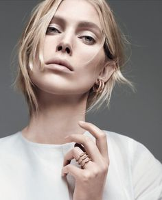 la modella mafia Iselin Steiro-x-Repossi-Spring Summer 2013 Campaign // in white photographed by David Sims (533×660)