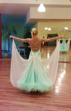 I would kill or die for this dress!!!!!!!!!!!! Love it