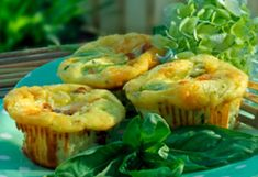 (tame your picky-eater) Savory Individual Pies - Breakfast quiche Breakfast Quiche, Savory Breakfast, Zucchini Breakfast, Homemade Breakfast, Quick Healthy Breakfast, Breakfast On The Go, Breakfast Ideas, Veggie Muffins, Protein Muffins