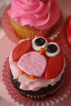 owl valentine cupcakes...these may be Sophie's valentines for school if I can figure out how to make them
